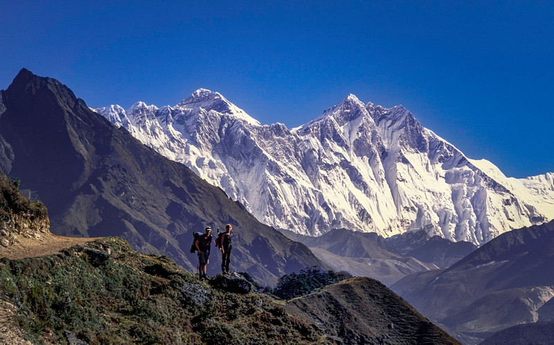 Trekkers and Everest