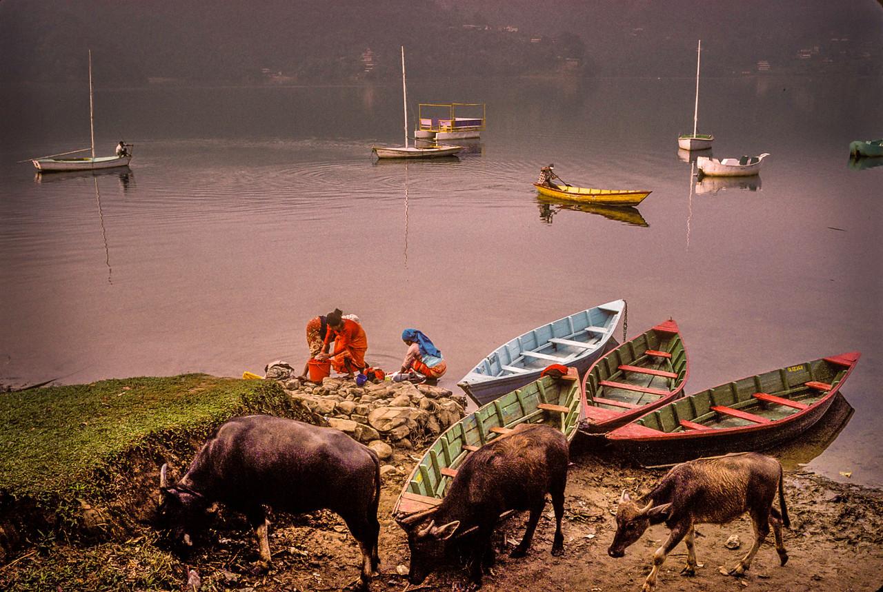 Washer Women, Pokhara