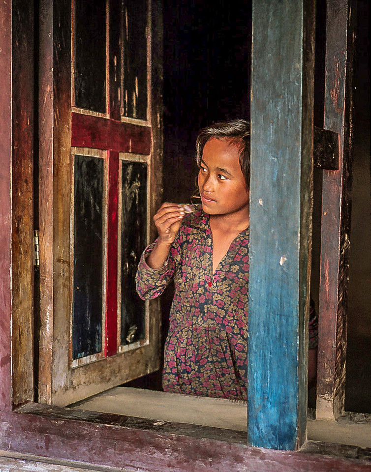 Girl at window, Goisankund