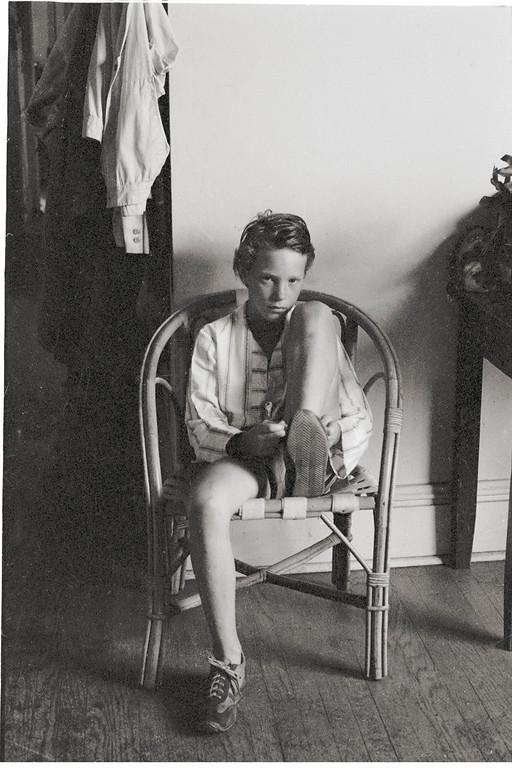 Jesse Tying Shoe, Chicago, Illinois 1976