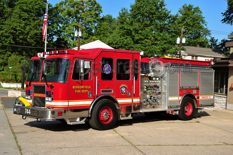 BERGENFIELD, NJ ENGINE 744