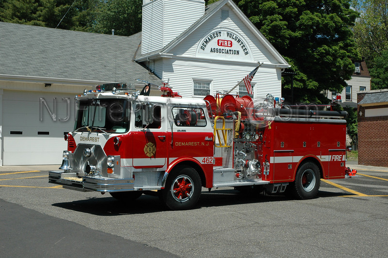 Demarest - Engine 462 - 1977 Mack CF 1250/500