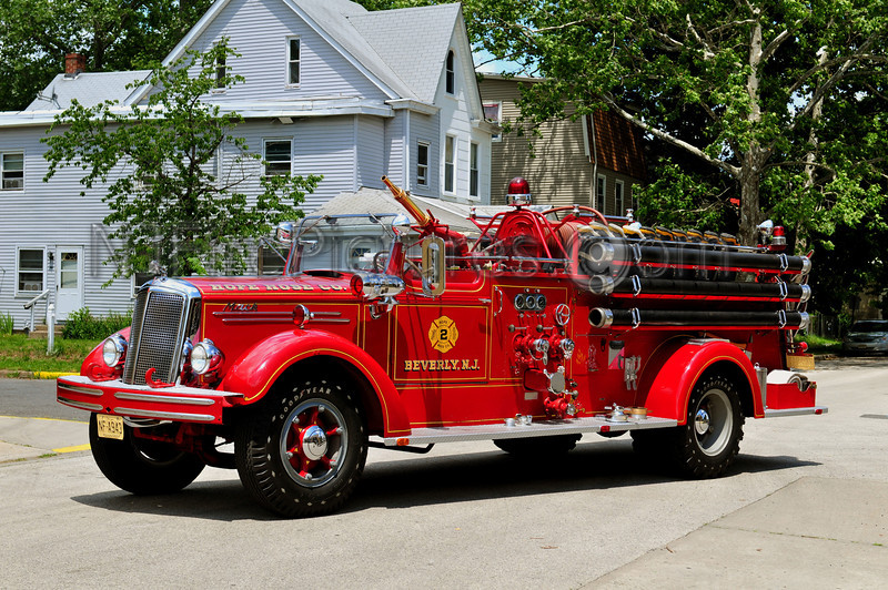 BEVERLY (HOPE HOSE) 1950 MACK TYPE 75 750/500