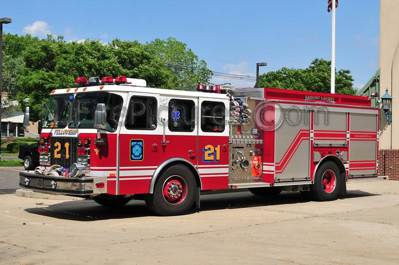 Mount Laurel Engine 21 - 2001 Emergency One 2000/900