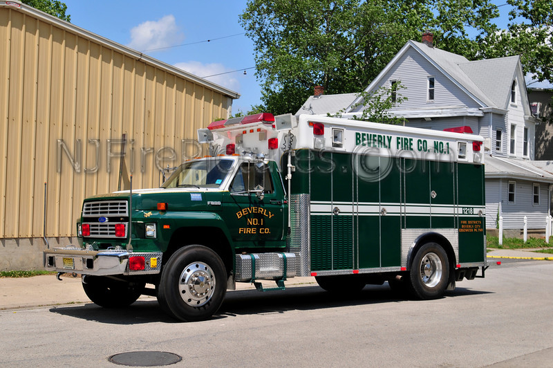 BEVERLY RESCUE 1218 - 1987 FORD F800/PL CUSTOM  EX-WILLINGBORO EMERGENCY SQUAD