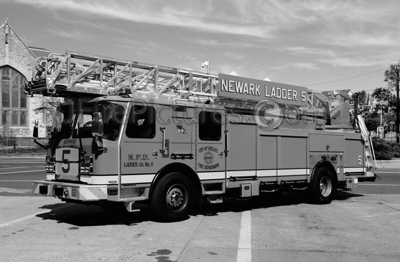 NEWARK, NJ LADDER 5