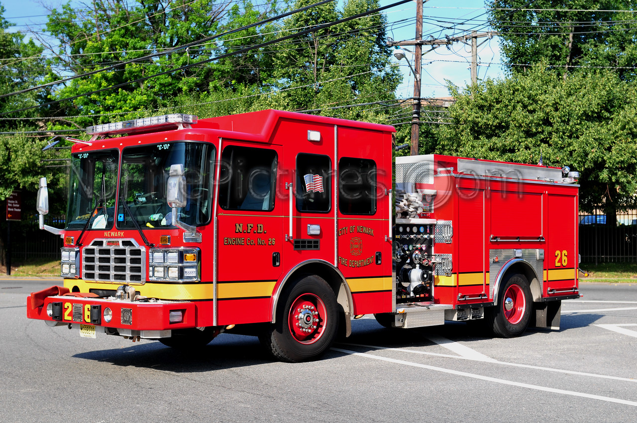NEWARK, NJ ENGINE 26 - 2011 FERRARA EMBER 1500/750