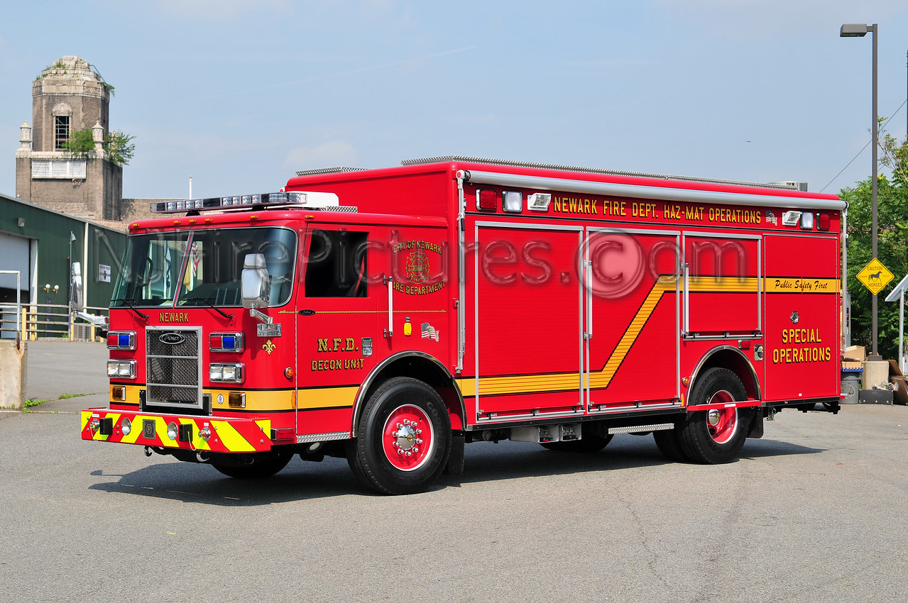 NEWARK HAZMAT DECON UNIT - 2010 PIERCE SABER
