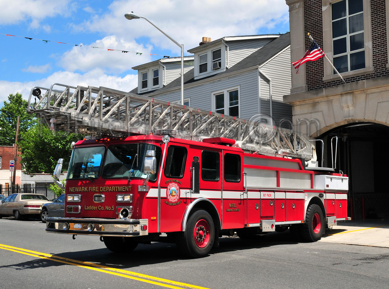NEWARK, NJ LADDER 10 - 1994 E-ONE 110' (EX-LADDER 5) HAS NOT BEEN RENUMBERED BEING USED AS LADDER 10