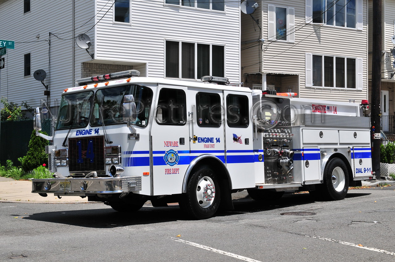 NEWARK, NJ ENGINE 14 - 2003 E-ONE 1250/500/250