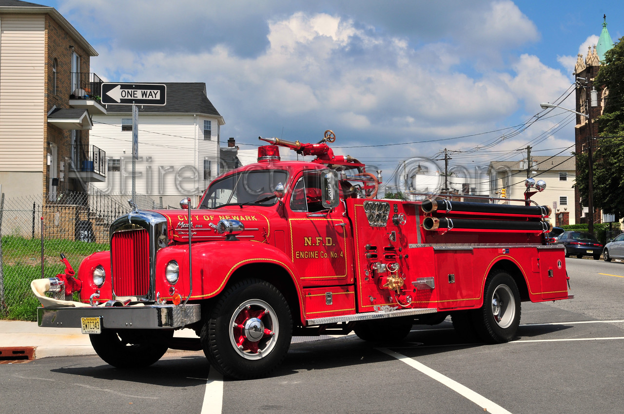NEWARK, NJ  OLD ENGINE 4 - 1957 MACK B85F 750/500