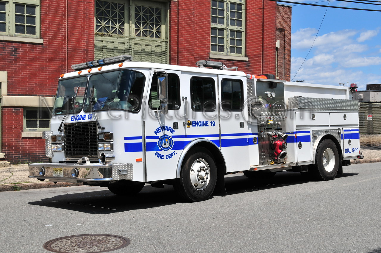 NEWARK, NJ ENGINE 19 - 2003 E-ONE 1250/500/250