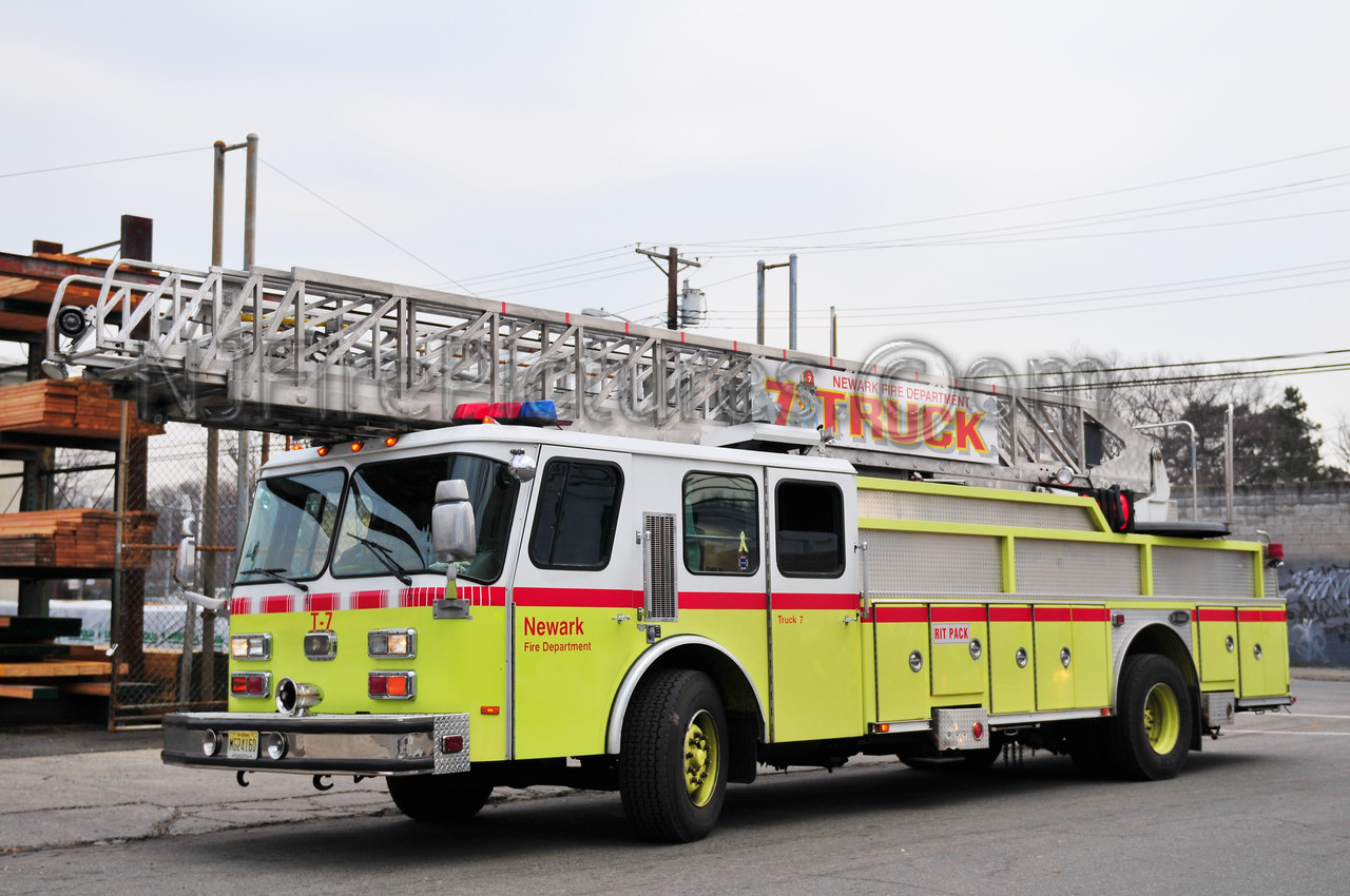 Newark, NJ Ladder 7 - Emergency One 110 Ft. Rear-mount