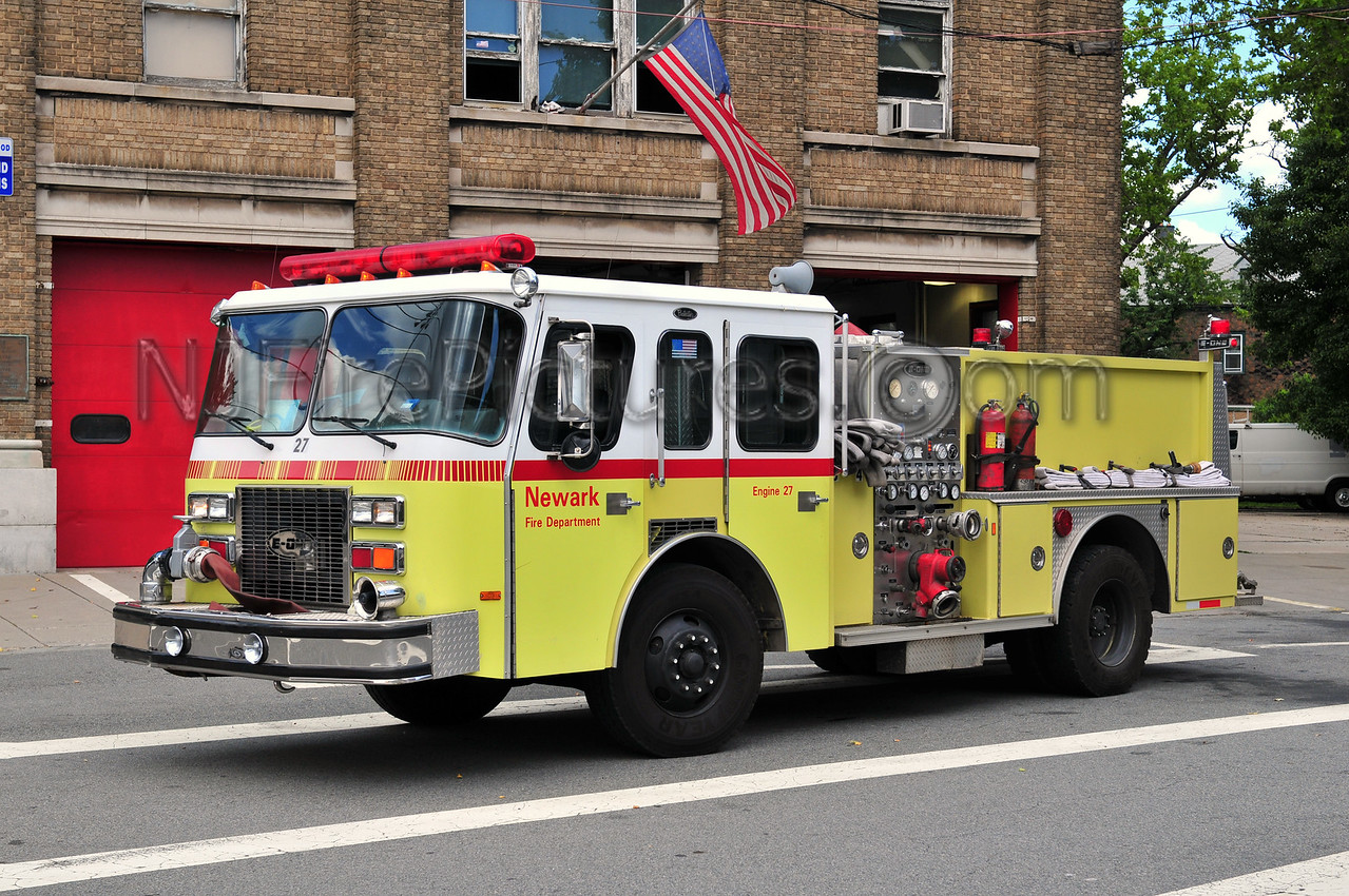NEWARK, NJ ENGINE 27 - 1991 E-ONE PROTECTOR 1250/750/50