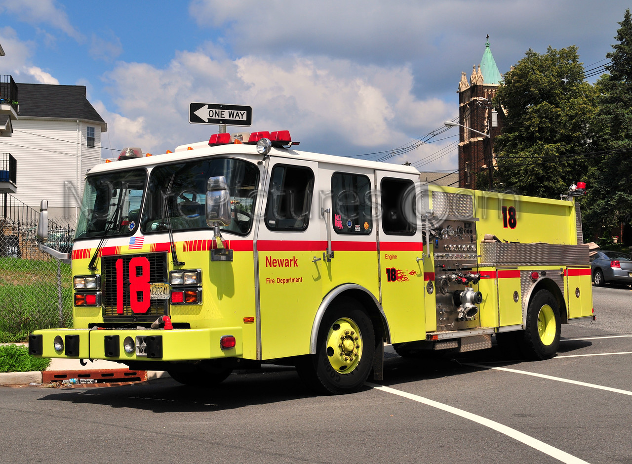 NEWARK, NJ ENGINE 18 - 1997 E-ONE 1250/750