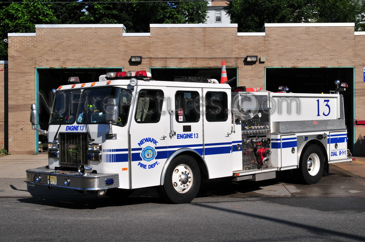 NEWARK, NJ ENGINE 13 - 1997 E-ONE 1250/750