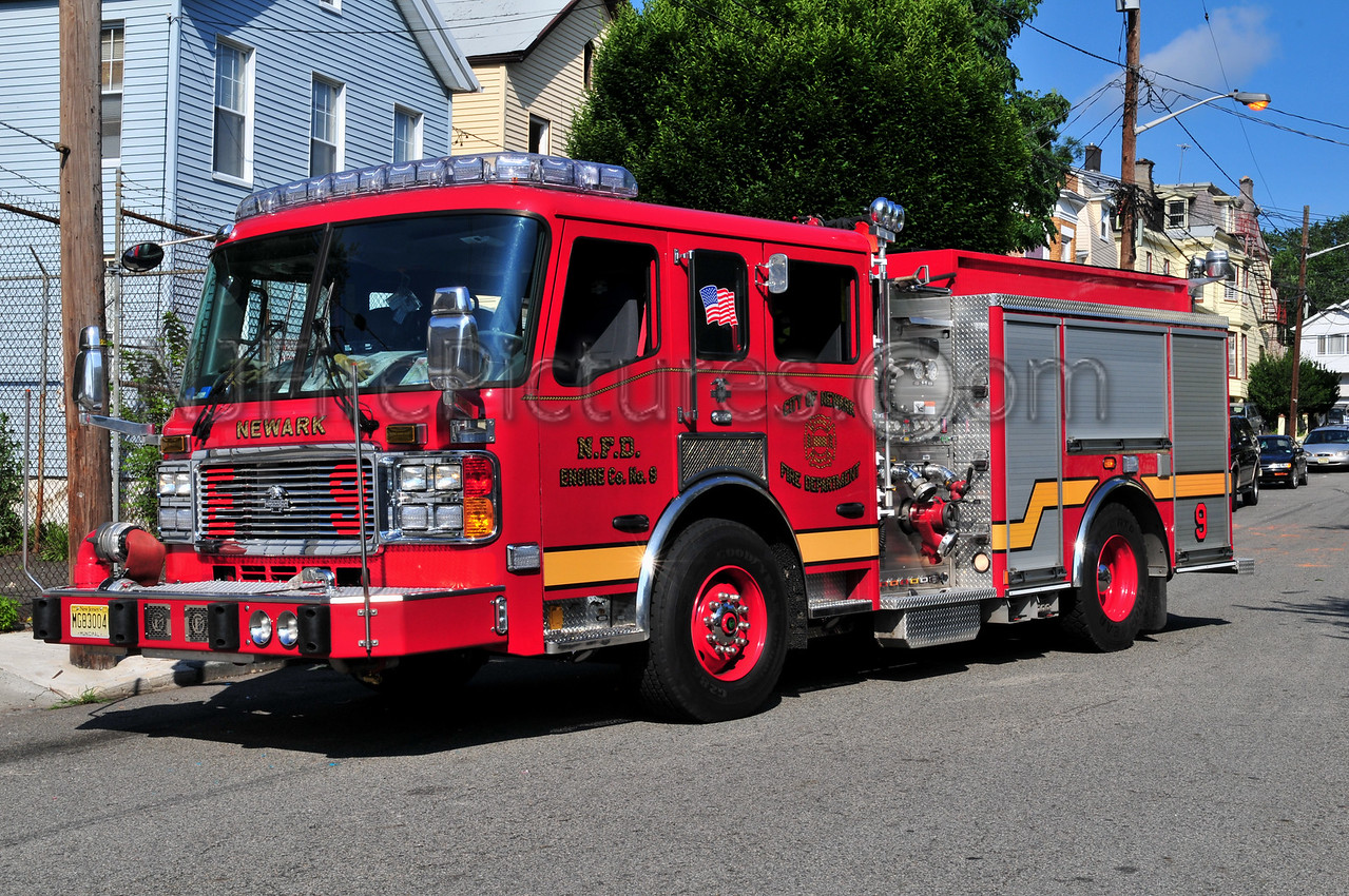 NEWARK, NJ ENGINE 9 - 2008 AMERICAN LAFRANCE 1250/750