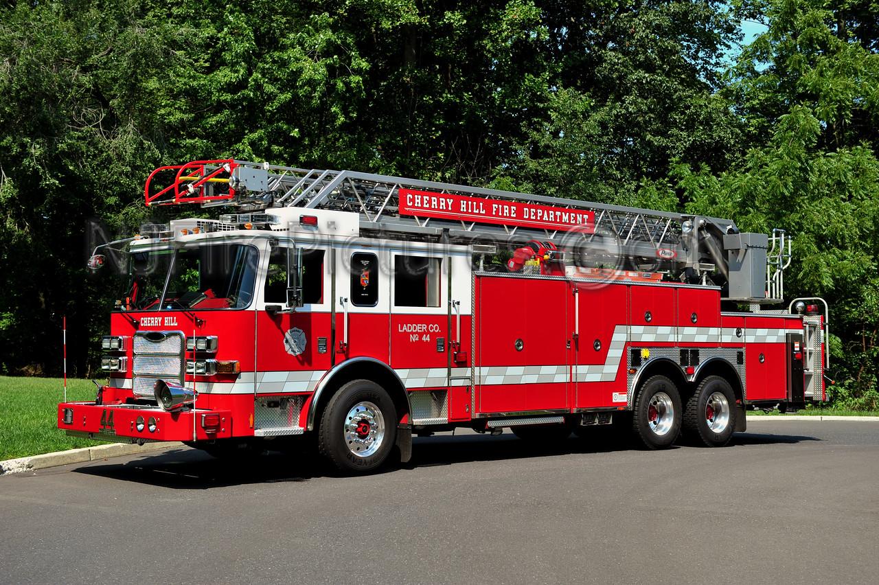 CHERRY HILL LADDER 13-44 - 2008 PIERCE ARROW XT 300/300/100'
