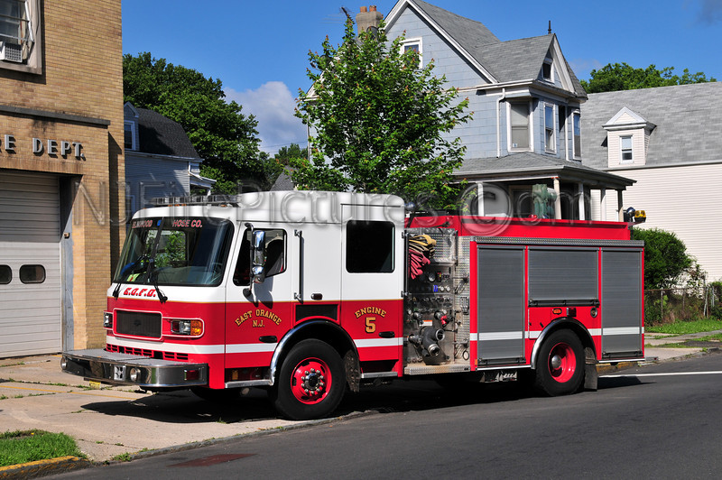 EAST ORANGE, NJ ENGINE 5 - 2006 AMERICAN LAFRANCE LIBERTY 1500/750