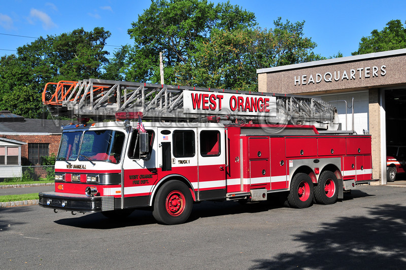WEST ORANGE TRUCK 1 - 1990 E-ONE HURRICANE 110' RM