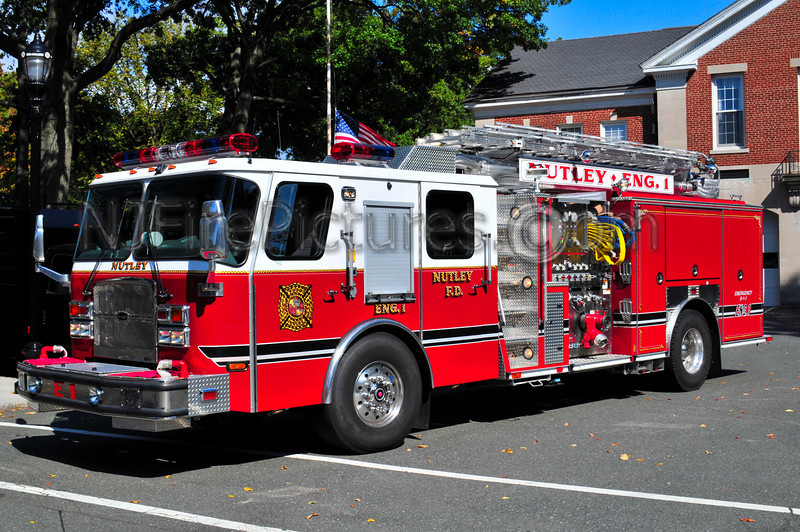 Nutley, NJ Engine 1 - 2009 Emergency One 1500/530/50 Telesquirt