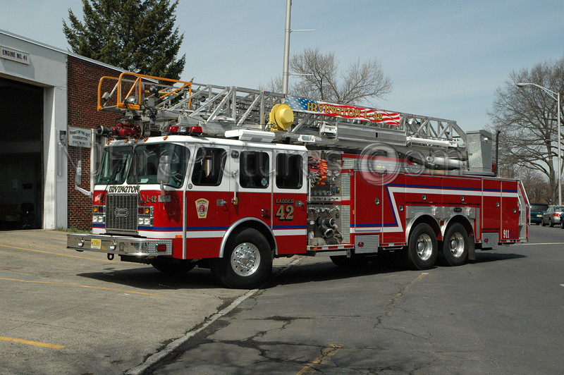 Irvington - Ladder 42 - 2003 Emergency One 2000/500/100'