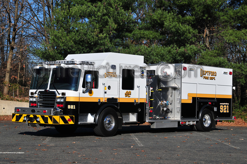 DEPTFORD ENGINE 921 - 2011 KME PREDATOR 1750/750