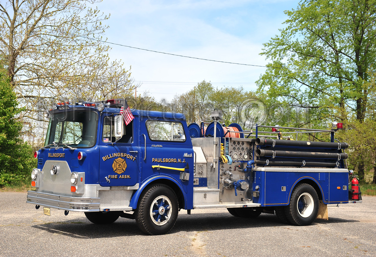 PAULSBORO, NJ (BILLINGSPORT FIRE ASSN.) ENGINE 1722