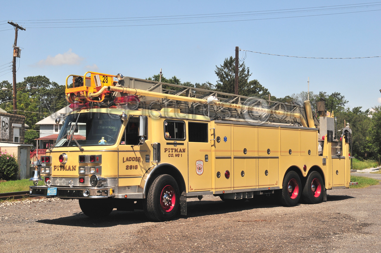 Pitman Ladder 2618 - 1990 American LaFrance 100'