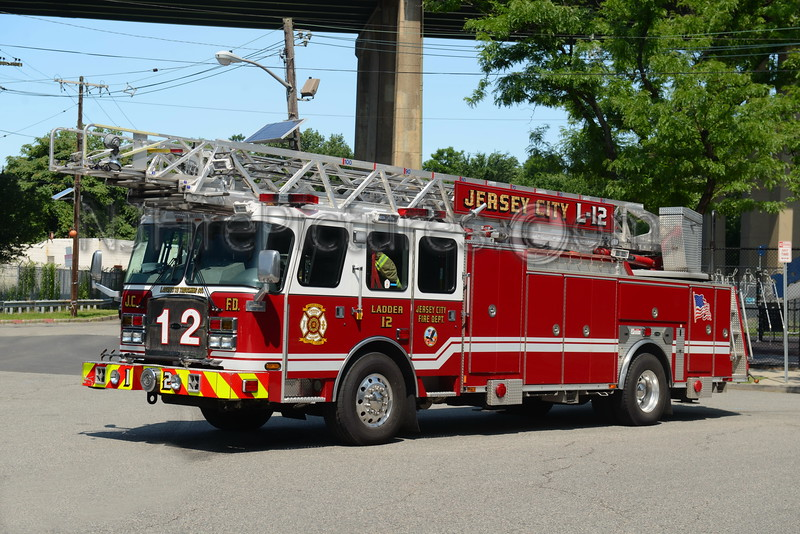 JERSEY CITY, NJ LADDER 12