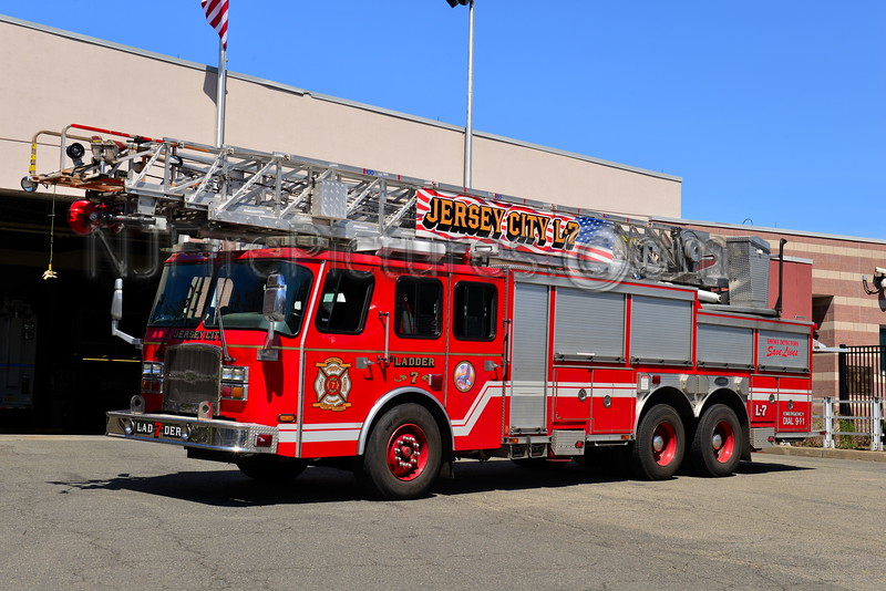JERSEY CITY, NJ LADDER 7