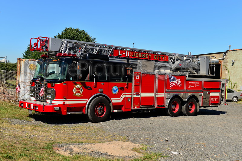 JERSEY CITY, NJ LADDER 11