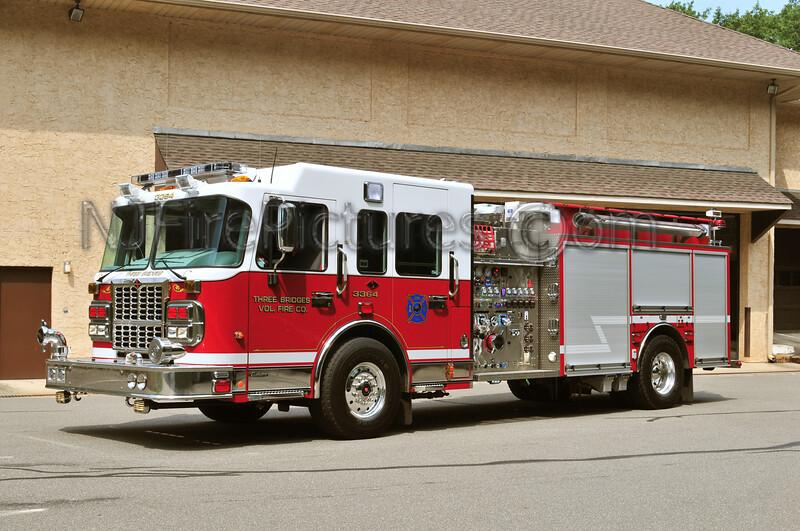 READINGTON TOWNSHIP, NJ ENGINE 33-64 THREE BRIDGES FIRE CO.