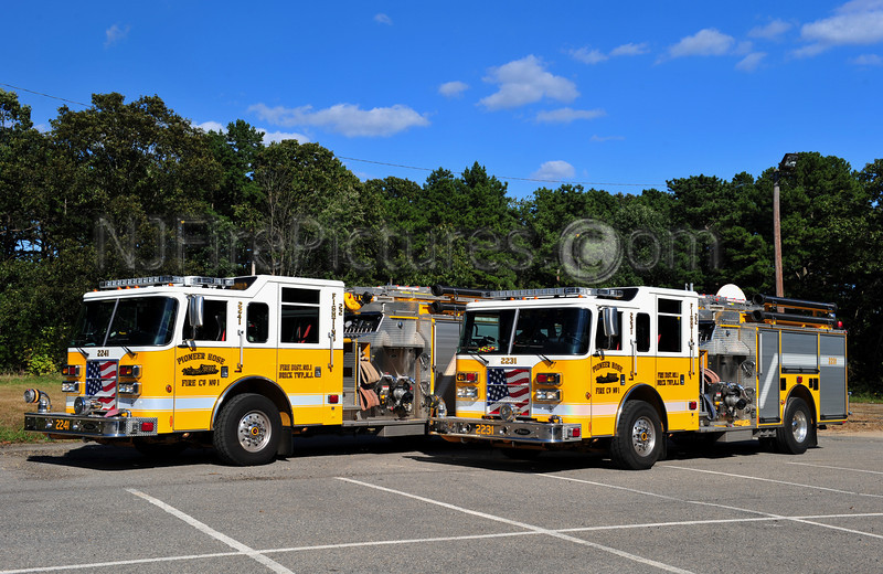 BRICK TOWNSHIP, NJ PIONEER HOSE CO. 1 PIERCE PUMPERS