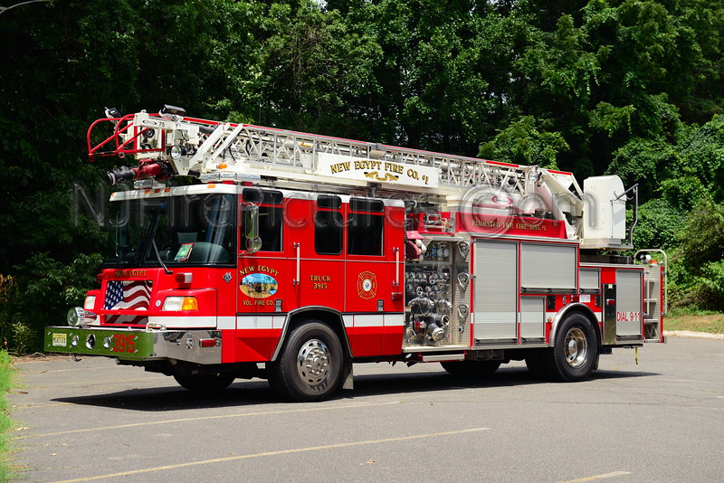 PLUMSTED TWP, NJ (NEW EGYPT) LADDER 3915