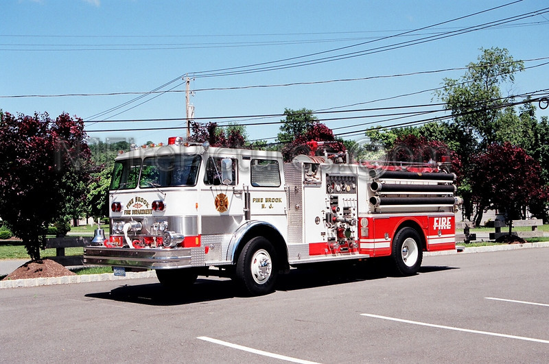 PINE BROOK - ENGINE 370 - 1982 HAHN 2000/500