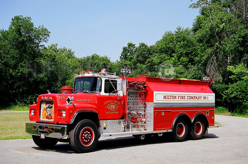 JEFFERSON - TANKER 723 - 1986 MACK R 1250/3000