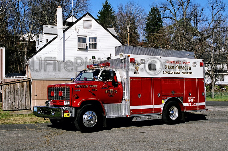 LINCOLN PARK - RESCUE 204 - 1990 GMC TOP KICK/E-ONE