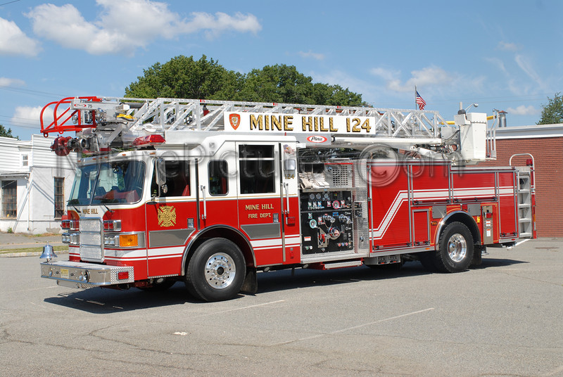MINE HILL, NJ LADDER 124
