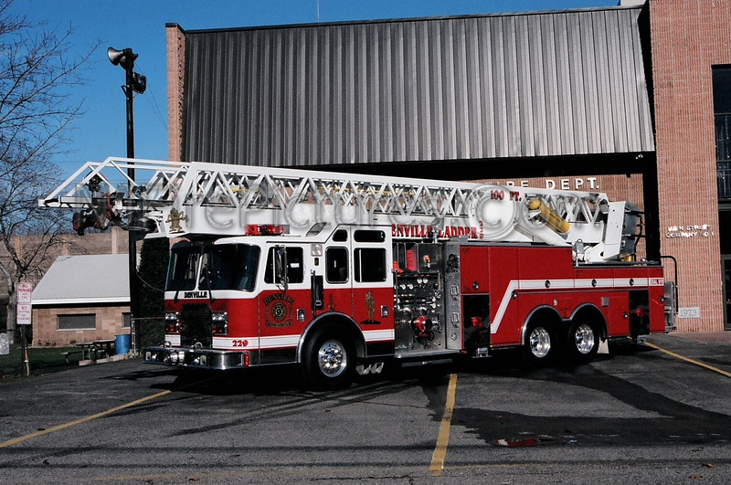DENVILLE - LADDER 229 - 1994 KME 1500/500/100'