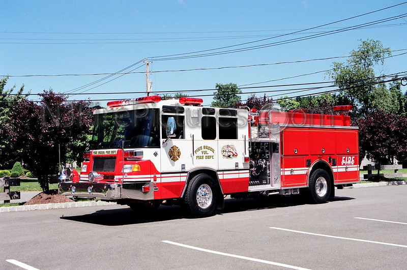 PINE BROOK - ENGINE 372 - 1998 PIERCE QUANTUM 2000/750/50