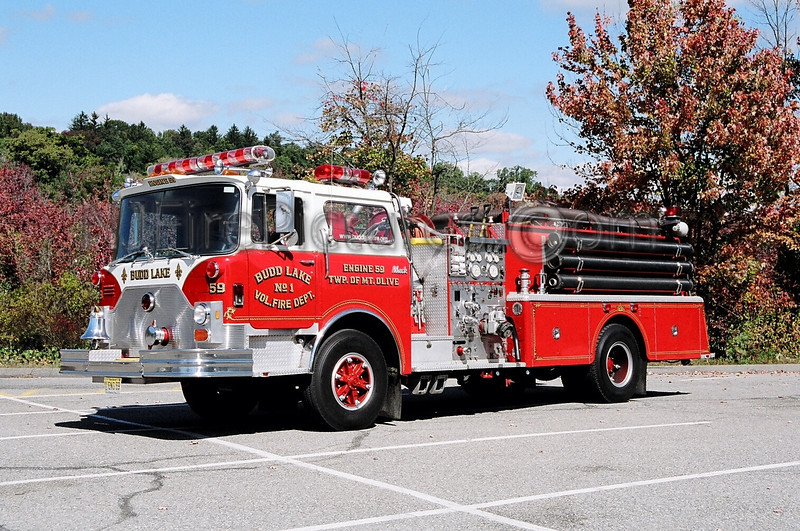 BUDD LAKE - ENGINE 59 - 1984 MACK CF 1250/1000