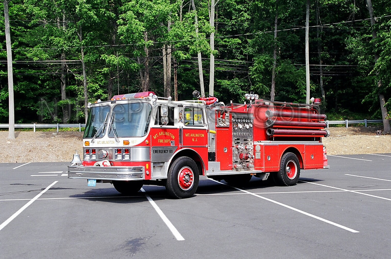 MOUNT ARLINGTON - ENGINE 26-87 - 1985 HAHN 1500/750
