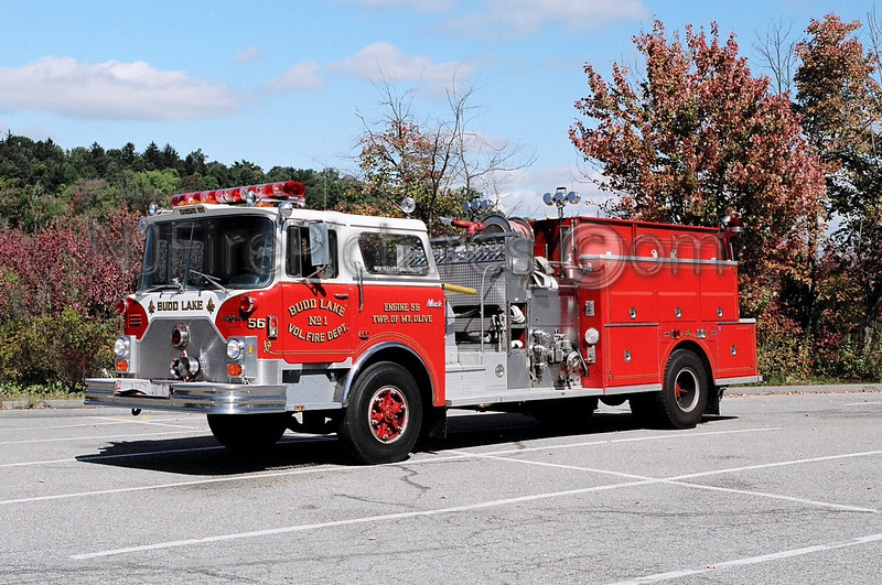 BUDD LAKE - ENGINE 56 - 1988 MACK CF/WARD 79 1250/1000