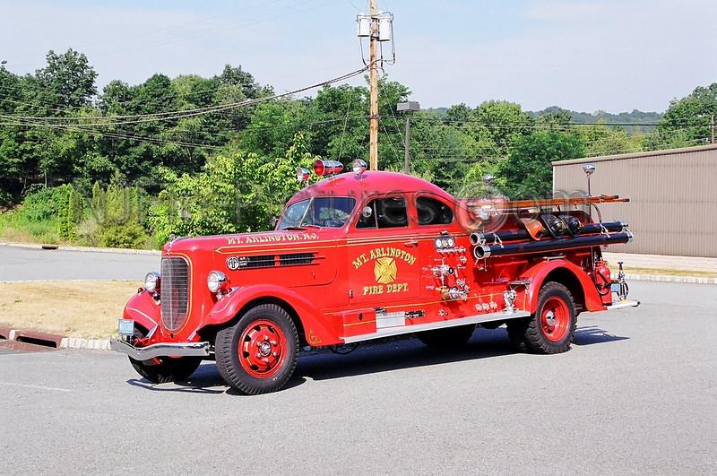 MOUNT ARLINGTON - ANTIQUE - 1939 AHRENS FOX 750/500