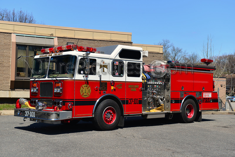 HIGHLAND PARK, NJ ENGINE 37-101 - 1993 SEAGRAVE 1500/750