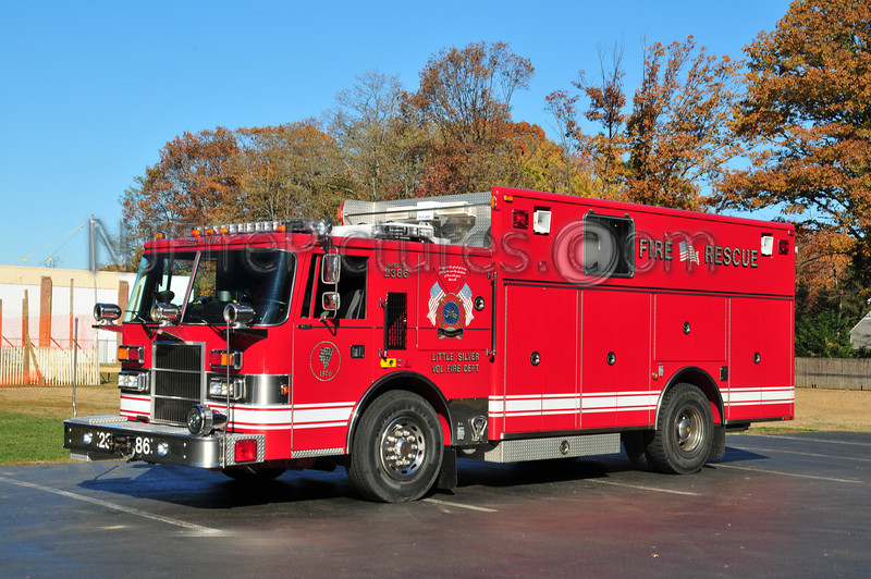 LITTLE SILVER RESCUE 2386 - 1996 PIERCE DASH REFURB IN 2005 EX-FORT MONMOUTH (US ARMY)