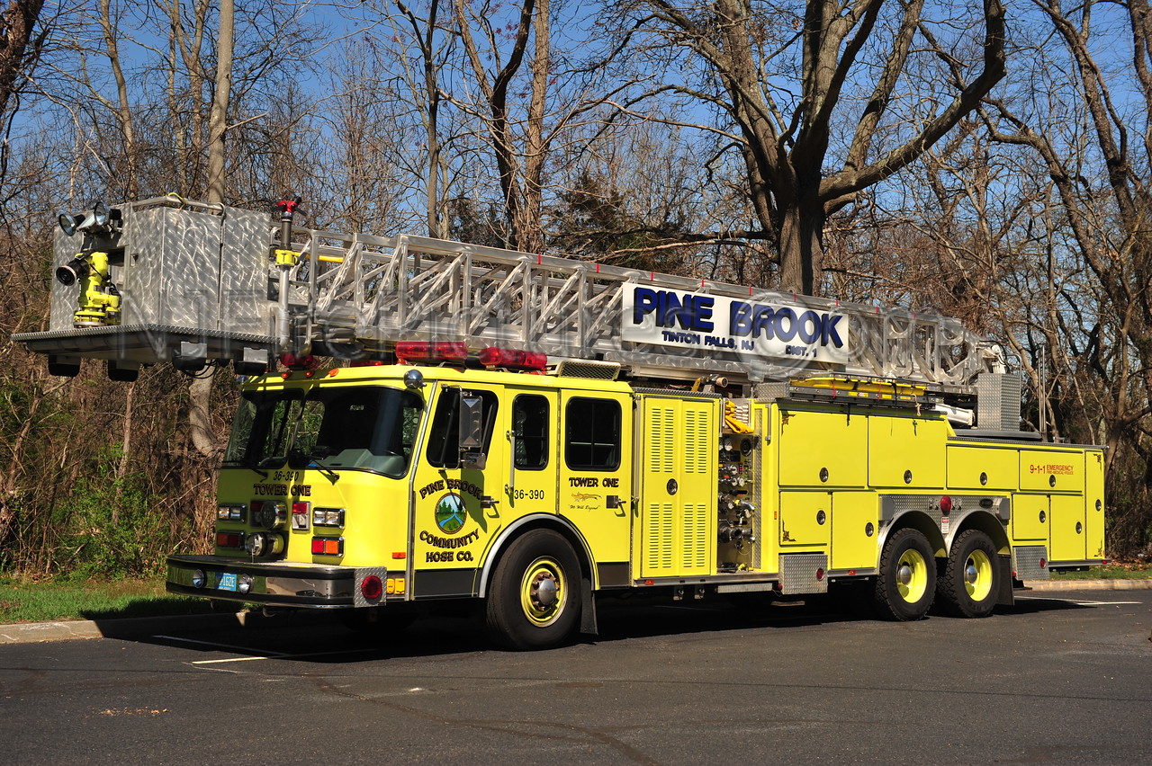 TINTON FALLS, NJ (PINE BROOK COMM. F.C.) TOWER 36-3-90 - 1990 EMERGENCY ONE 1500/300/95'