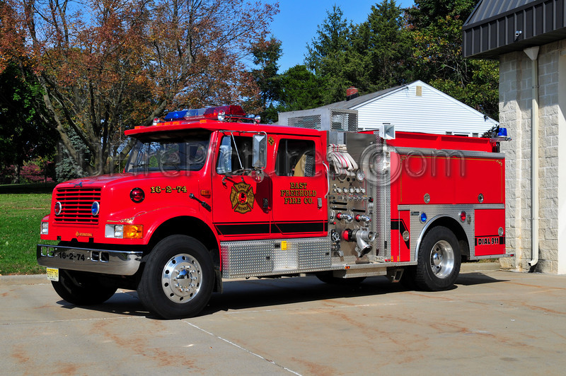 EAST FREEHOLD ENGINE 16-2-74 - 1993 INTERNATIONAL 4900/MARION 750/500