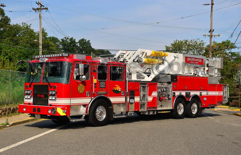 HIGHLANDS, NJ TOWER 17-90 - 2013 KME SEVERE SERVICE PREDATOR 2000/300/81'